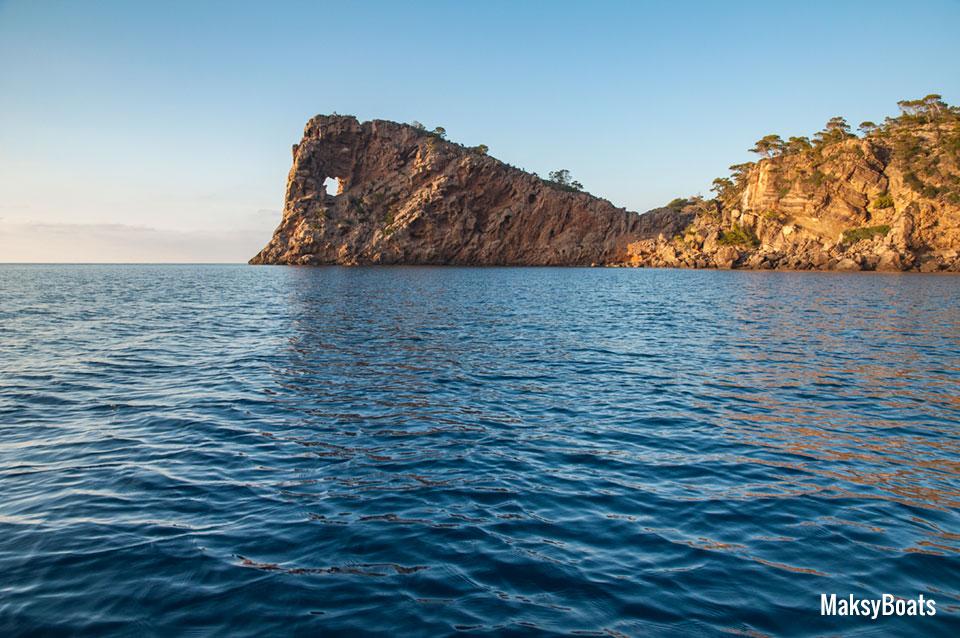 Sa Foradada, Mallorca by Fernando Prieto