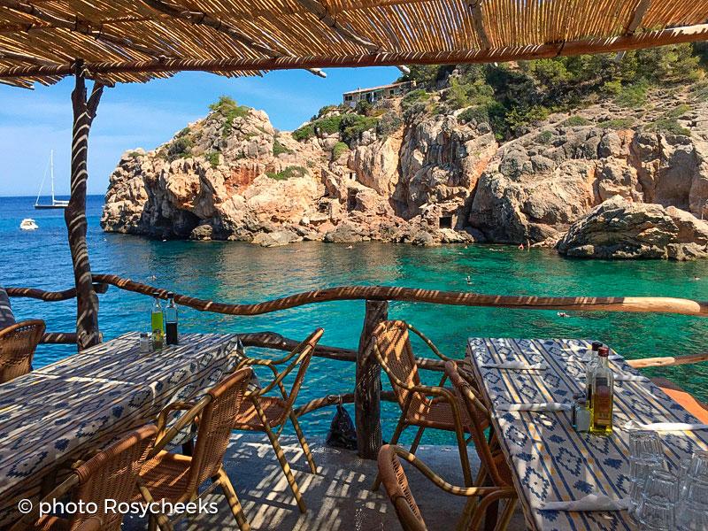 Daily fresh fish and dream views in Cala Deià - MaksyBoats